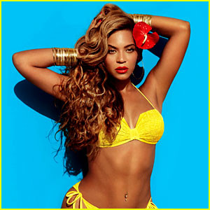 Beyoncé a H&M 2013-as bikini kollekciójában / Beyoncé wearing the 2013 H&M bikini collection