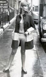 Svédországban 1967-ben már utcai viselet a bikini / In Sweden in 1967 you can wear a bikini as casual clothes